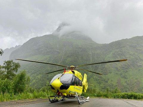 REDDET: Luftambulansen fant og reddet kvinnen ut av området.