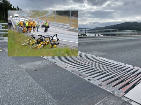 FARLIG: Gårsdagens massevelt ble forårsaket av at den første syklisten satte hjulet fast i rillene mellom bro og fastland.