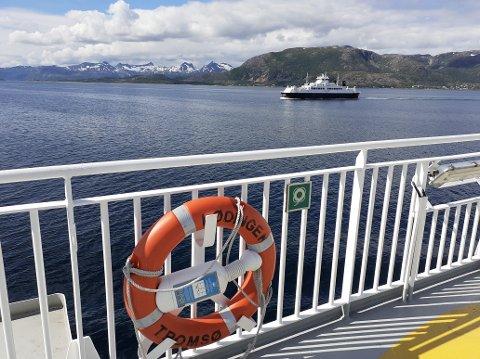 """Fergesambandet Lødingen - Bognes trafikeres av fergene """"Lødingen"""", """"Barøy"""" og """"Hamarøy""""."""