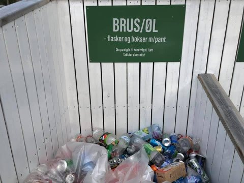 Tyveri: Frekke tyver stjal 12 store sekker med panteflasker, som skulle doneres til konkurranseturnerne i KIL.