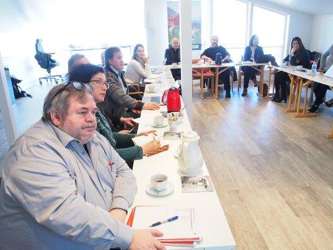 Deltakere på Unesco-presentasjonen fredag morgen hos Lofoten matpark på Storeidøya på Leknes.