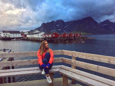 Artisten ZAJA er fra Reine, bor i Oslo og drømmer om en musikkarriere i utlandet.