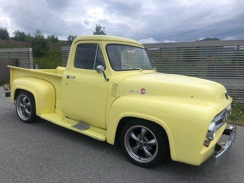 Rune Liland selger denne gamle Ford-en.