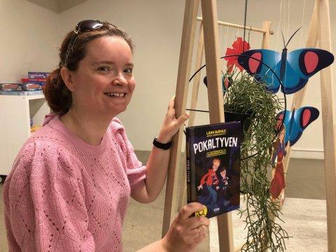 Barne- og ungdomsbibliotekar Therese Arntzen Vestnes på Meieriet bibliotek i Vestvågøy gir Lofot-Tidendes unge lesere lesetips hver uke i hele sommer. I uke 25 er det «Pokaltyven».