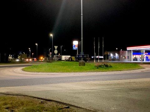 Onsdag kveld var blant annet rundkjøringen Idrettsgata - E10 delvis asfaltert.
