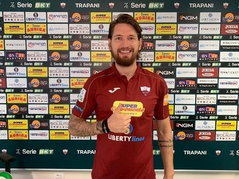 Stefan Strandberg fra Lyngdal har signert for klubben Trapani Calcio på nivå to i Italia.
