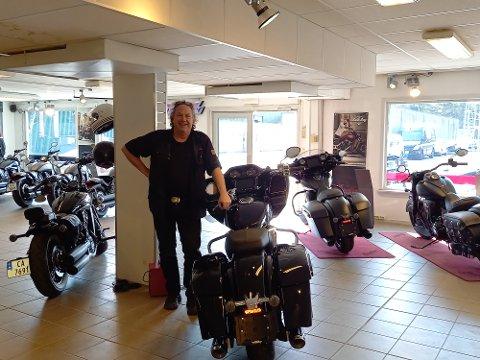 SALG: Steen Gunnar Heim sier salget på ATV og motorsykler i år ser ut til å gå enda bedre enn fjoråret.