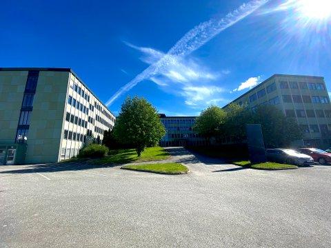 Bygget der Statens vegvesen tidligere holdt hus står for tiden uten leietagere.