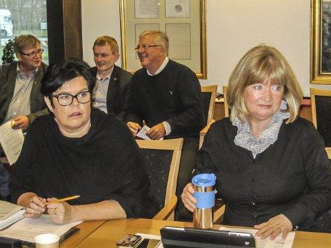 Uenige: Anne Bramo (Frp) sier nei til å bosette flyktninger i Moss neste år mens Sissel Rundblad (H) sier ja.