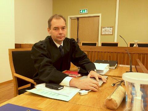 Politiadvokat Jahn Schei representerer aktoratet.
