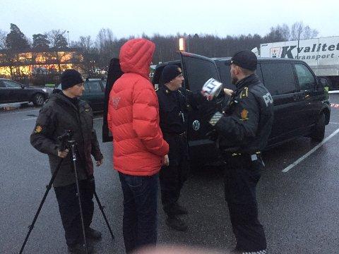 KRIMTEKNIKERNE: Krimteknikerne er på plass i Vestby.