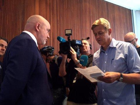 David O'Brian sa han kom med triste nyheter på pressekonferansen i Oslo onsdag. Siste fly fra Rygge går 29. oktober.