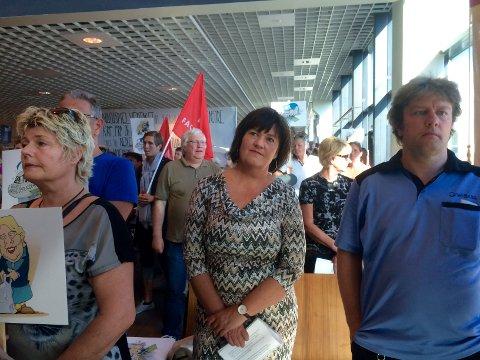 Ordfører i Rygge Inger-Lise Skartlien holdt også en appell under kveldens markering på flyplassen.