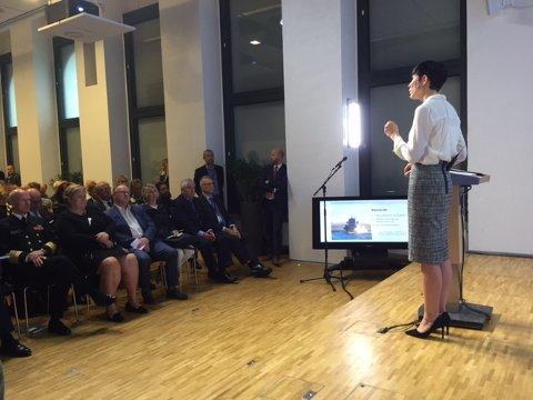 ENDRINGER: Forsvarsminister Ine Marie Eriksen Søreide orienterte fredag om at helikptrene skal til Rygge, men samtidig at de ønsker å legge ned tilsammen 11 forsvarsanlegg.