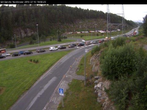 KØ: Slik ser det ut på E6 Søndre Nordstrand klokken 16.50 onsdag.