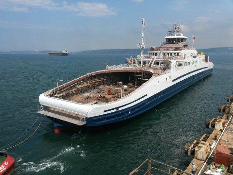 Slik blir Bastø IV seende ut. Her ligger den til kai på Sefine Shipyard i Tyrkia, hvor den nå blir bygget.