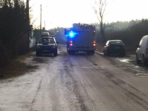 Brannvesenet ble tilkalt da det oppsto pipebrann i en bolig i Alby gate i ettermiddag.