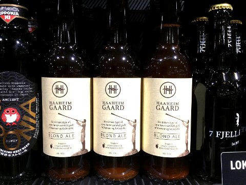 Lysefjorden bryggeri har skaps rabalder med denne spesielle etiketten på flaskene sine.