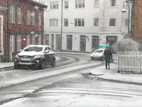 Snøen lavet i Drøbak sentrum mandag morgen