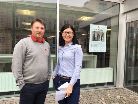 NY MESSE: Kent Olsen og Sabina Sidelko, markedskonsulenter i NAV, er klare med ny jobbmesse for jobbsøkende i mossedistriktet.