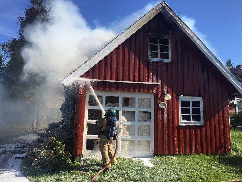 Brann i bolighus på Kråkstad.