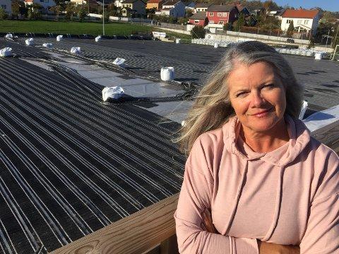 I ARBEID: Therese Solhaug, daglig leder i Sprint-Jeløy, gleder seg til arbeidene med Bellevue er over - om ti dager.