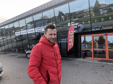 FLYTTER BUTIKKEN: Dariusz Bobko har bestemt seg for å flytte PSB Fix fra Varnaveien til Fredrikstad. Det ble for dyrt i Moss.