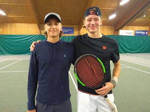 FINALEGUTTA: Jacob Krefting (Moss) og Ole Tinius Lepsøe (Bygdøy) var finalister i A-kalssen, der Lepsøe vant.