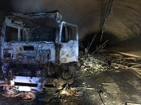 UTBRENT: 300 meter av Oslofjordtunnelen var totalt utbrent etter brannen 5. mai i fjor.