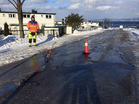 Mannskap fra Moss kommune vil jobbe på spreng for å utbedre feilen på Refsnes.