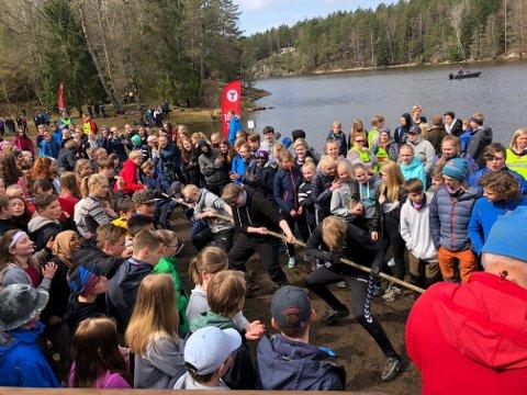 TOPPTUR: Den årlige toppturen for 8. klassinger gikk av stabelen onsdag.