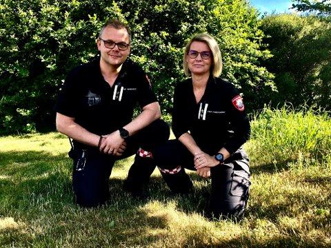 BØNN: Christian Mørdre og Mette Johansen Kaspersen ber innstendig om at alle forholder seg til det totale bålforbudet som er innført.