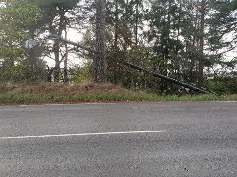 STRØMLØSE: Lørdag morgen var det fremdeles flere strømløse i distriktet.