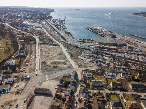 Trangt: Flere er redde for at bygging av det store havnelageret kan gjøre det enda trangere for en mulig riksvei 19  sørover mot Kleberget.