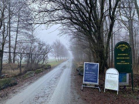 STENGES: Carlbergveien stenges for gjennomkjøring fra mandag av.