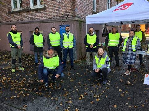 I STREIK: Vektere fra Østfold var på streikevakt i gågata i Moss for å fortelle om hvorfor de streiker.