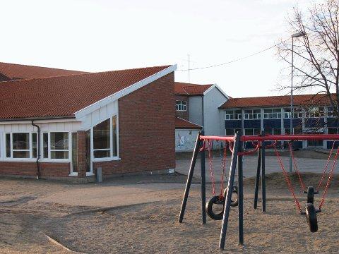 En elev ved Melløs skole er smittet av koronaviruset.