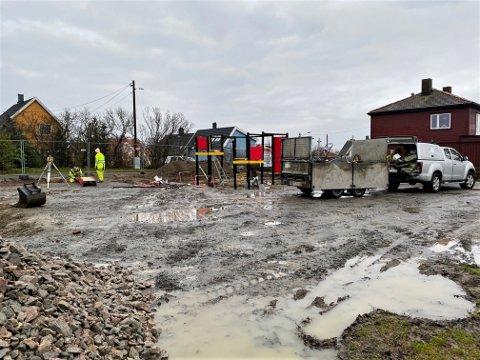 OPPGRADERER: Lekeplassen på Malakofftoppen får seg en kraftig oppgradering. I beste fall står den ferdig i slutten av neste uke.