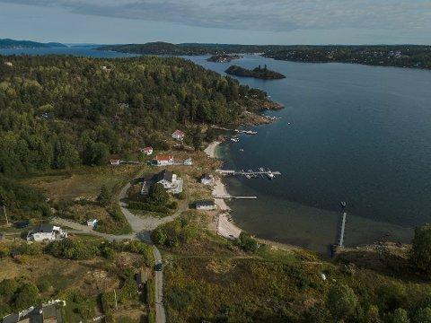 HAR FJERNET: Eierne av feriestedet Kongshavn har fjernet skjellsanden.