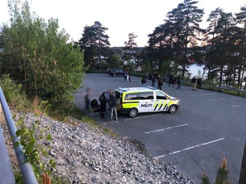TRAVEL 17. MAI: Det ble hektisk for politiet søndag kveld. De rykket ut i Son etter meldinger om kaotiske tilstander og store ansamlinger av fulle ungdommer.