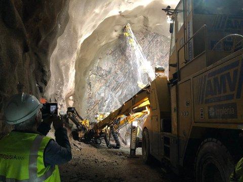 STØYKLAGER: Bane NOR fikk klager om støy på grunn av vifter som sørger for frisk luft under tunnelarbeidene.