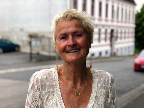 OSS I NYE MOSS: To kommuner er blitt til én. I denne portrettserien blir du kjent med noen av de fine folka som bor i den nye storkommunen. Dette er historien til Monica Aas som etter flere år på flyttefot rundt om i verden, har bosatt seg på Balaklava.