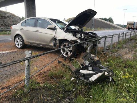 SOVNET: Mannen som kjørte bilen skal ha sovnet bak rattet.