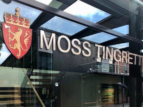 GROVT UNDERSLAG: En mann som var verge for sin mor må møte i Moss tingrett tiltalt for å ha underslått over en halv million kroner fra henne.