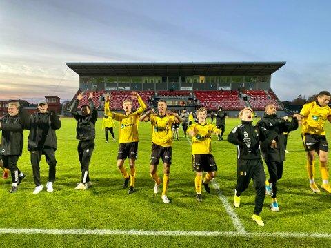 NY KONTRAKT: MFK-spillerne kunne juble for ny kontrakt i PostNord-ligaen lørdag kveld.