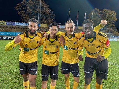 GLADE MÅLSCORERE: Etter kamp kunne disse fire mossespillerne juble etter å ha scoret ett mål hver. (f.v.) Walid Idrissi, Wachirawut Phudithip, Noah Alexandersson og Momodou Lion Njie.