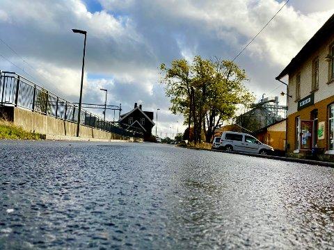 GJENGANGER: En mann i 50-årene ble avslørt bak rattet med høy promille i Stasjonsveien i Råde - dermed ble han dømt for fyllekjøring for sjuende gang.