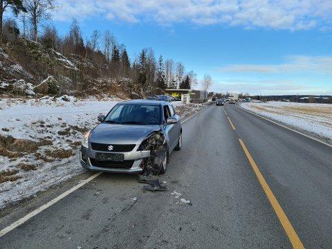 HADDE FLAKS: – En lastebil har mistet et hjul på fylkesvei 120 i Hobøl. Hjulet har truffet en personbil i fronten, men det skal ikke være snakk om personskade meldte politiet i Øst.