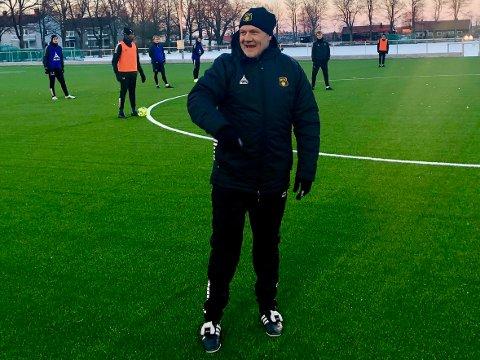 Smilet var på plass hos MFK-trener Shaun Constable tidligere i vinter. Tirsdag kom en beskjed det ikke var like lett å smile over.