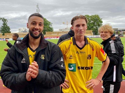 REVANSJE: Uno Pedersen (til høyre) har hatt en tung start på årets sesong, men revansjerte seg stort da han satte inn 2–1 mot FFK. Her er han sammen med nykommer og debutant Walid Idrissi som gjorde en svært god figur i sin debut.